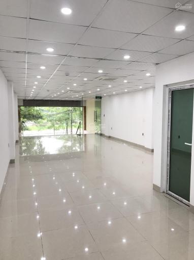 Cho thuê cửa hàng 541 Vũ Tông Phan, Thanh Xuân, 155m2, MT 6m, phù hợp mọi loại hình. LH: 0988865388