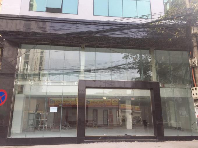 Cho thuê nhà MP Khâm Thiên 30m2, MT 10m, giá 15 tr/th, liên hệ: Quân 0342567890