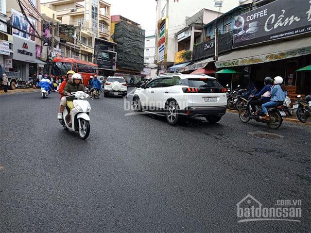 Bán nhà nằm ngay mặt tiền đường, là tuyến đường kinh tế huyết mạch của thành phố Đà Lạt
