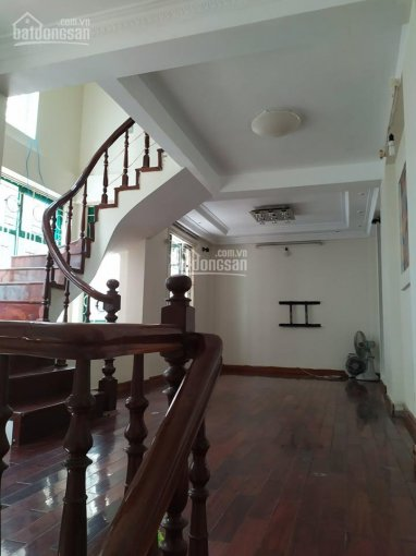 Cho thuê nhà Hoàng Hoa Thám DT 30m2*3.5 tầng phù hợp hộ gia đình giá 12 triệu/th