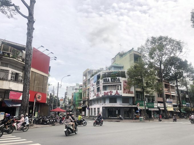 Cho thuê nhà góc 2MT số 1215 3 Tháng 2 + Hà Tôn Quyền đối diện cafe Highlands