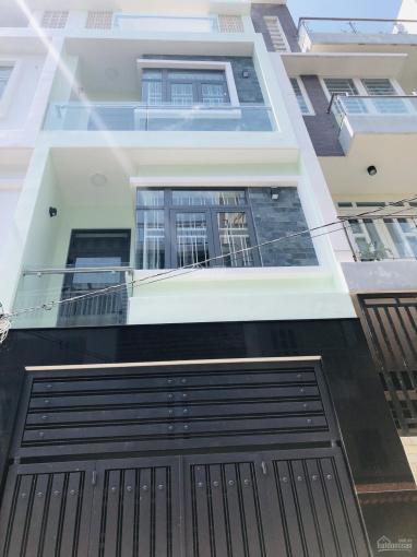 Chuyển công tác nên bán gấp nhà 3 lầu ngay đường số 17, Phạm Văn Đồng, ngay trung tâm TT Giga Mall