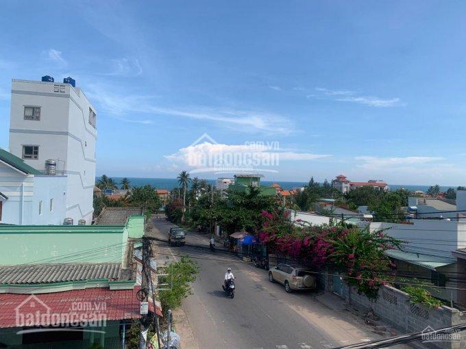 Bán nhà mặt đường Nguyễn Tấn Định lô góc mặt tiền rộng cách biển 100m kinh doanh cực tốt