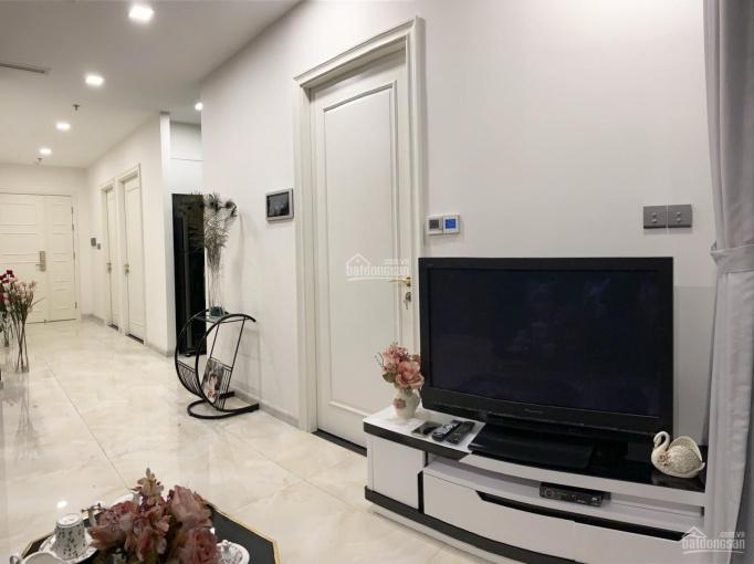 Cho thuê căn hộ 2PN Vinhomes Golden River Ba Son giá tốt liên hệ 0909770115 (Trung Hiếu)