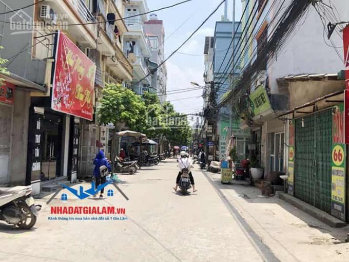 Bán nhà cấp 4 lô góc đang chia làm 2 ki ốt cho thuê kinh doanh, DT 66m2, Cửu Việt 1