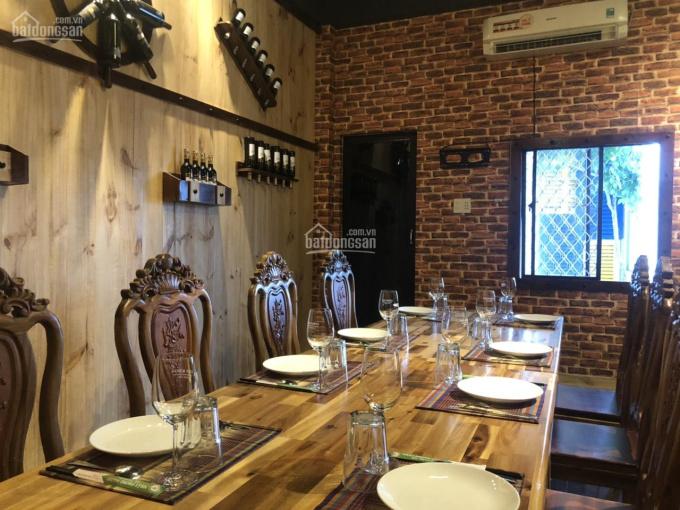 Cho thuê hoặc sang nhượng nhà hàng sang trọng cao cấp gồm 1 trệt 3 lầu khu bàn cờ, Nha Trang
