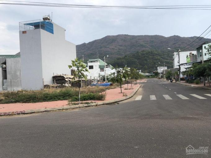 Bán đất nền (lô góc) khu tái định cư núi Mồ Côi (đường Tây Sơn), TP Quy Nhơn, tỉnh Bình Định