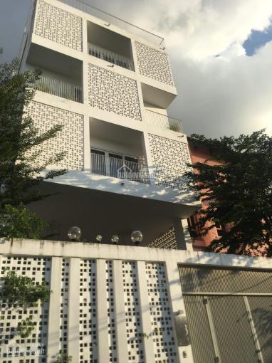 Bán nhà 2 mặt tiền Trúc Đường, Làng Báo Chí, Phố Thảo Điền, Quận 2, 10x11m, vị trí siêu đẹp 18.5 tỷ