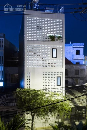 Cần cho thuê nhà mặt tiền Nguyễn Trãi, quận 1, diện tích: 7x20m, nhà mới, đẹp. Giá: 210tr/th
