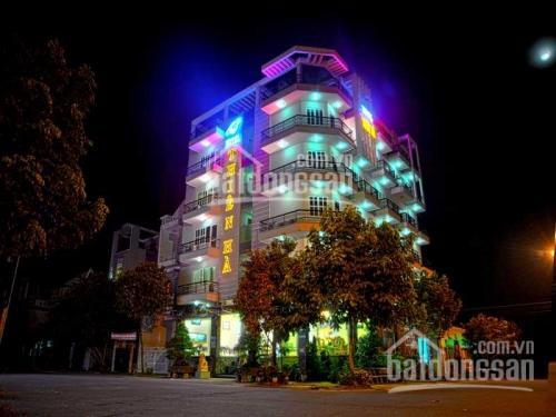Siêu phẩm duy nhất 3 mặt tiền cực đẹp, Nguyễn Bỉnh Khiêm Q1 (8,5x19m) view Dinh Độc Lập giá rẻ nhất