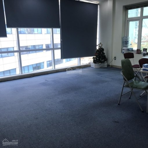Văn phòng 32m2 phố Hoàng Cầu, có sàn gỗ, điều hòa, rèm cửa view đẹp giá 6,5 tr/th, LH: 0903215466 ảnh 0