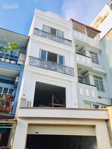 Cho thuê nhà 2MT trước sau nguyên căn mới xây như hình. Giá 31 triệu/tháng, 3 lầu