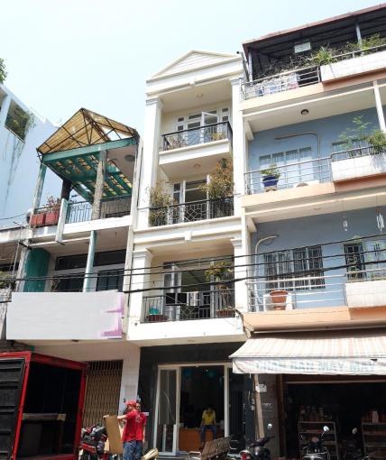 Cho thuê nhà ngang 5m mặt tiền đường Nguyễn Thái Bình, Tân Bình. LH: 0906 693 900