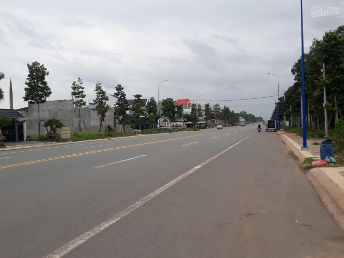 Bán đất mặt tiền đường NA2, cổng KCN Mỹ Phước 3, 4