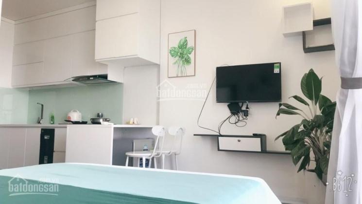Cho thuê căn hộ Studio tòa G3 Vinhomes Green Bay, 1 phòng ngủ, full đồ, thiết kế hiện đại, view hồ