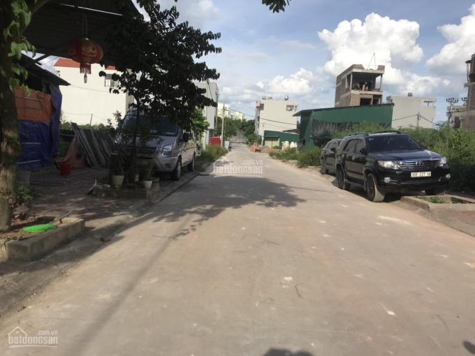 Gấp 52m2 đất kinh doanh trục chính Phú Thị, mặt tiền 9m, hướng Đông, LH: 03.3861.1368