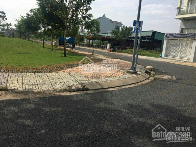 Bán ngay lô đất MT Phan Văn Đáng, chợ Phú Hữu, SHR, giá 600tr/nền, đa diện tích, LH 0947165479 Tứ