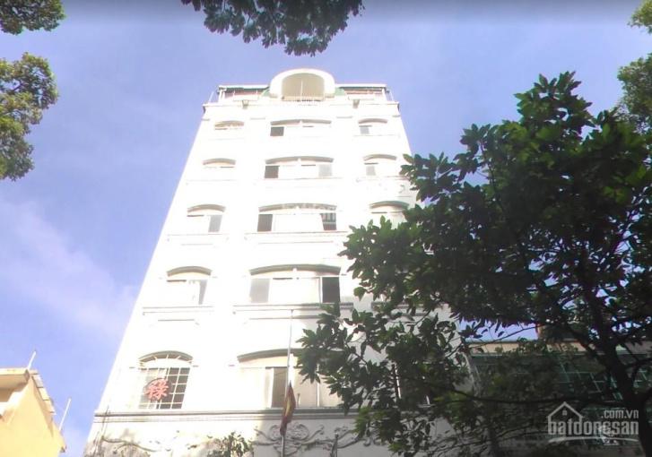 Cho thuê khách sạn 40 phòng. Khai thác trên 85%. Mặt tiền đường lớn P. Nguyễn Thái Bình Q.1
