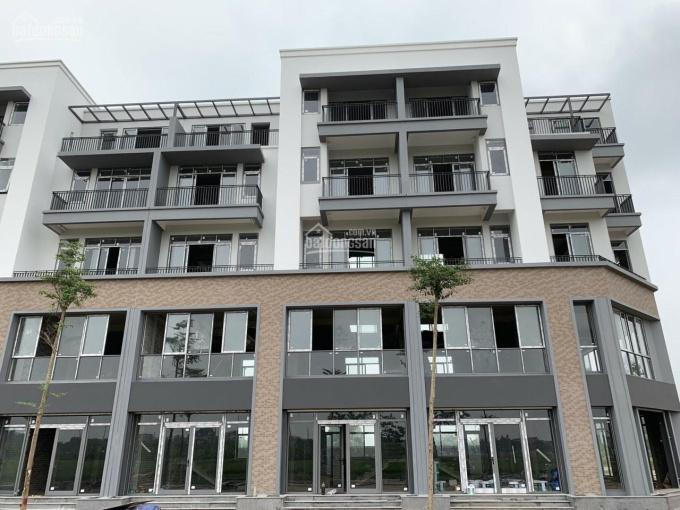 Bán gấp nhà 4 tầng mặt phố đối diện cổng bệnh viện K74, DT 75m2, hướng Đông Nam, LH 0936.399.629