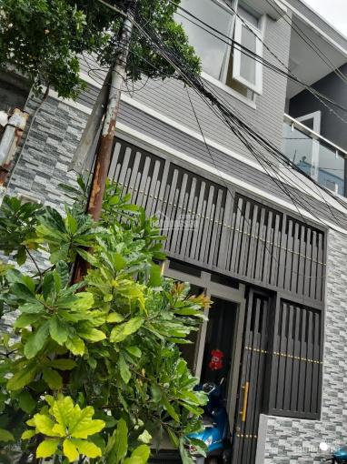 Cần bán gấp nhà hẻm đường Lạc Long Quân, Q. 11, DT 4.9m x 11.9m, giá 5.6 tỷ (TL)