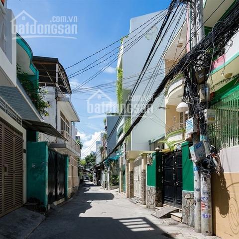 Chính chủ bán giá 9 tỷ nhà đường Khánh Hội, Q4, DT 132m2, 3PN, 2WC, full nội thất. LH 0901414505