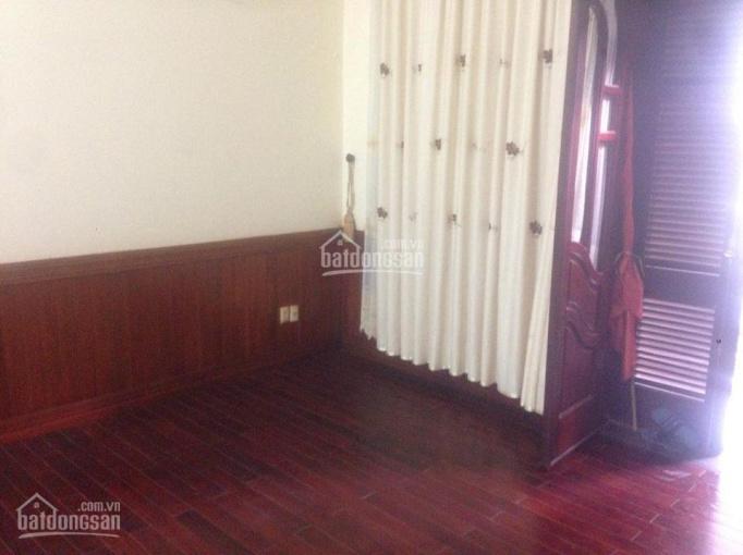 Cho thuê nhà mặt ngõ ô tô phố Nguyễn Phúc Lai, 150m2, gần hồ Hoàng Cầu, 17 tr/tháng