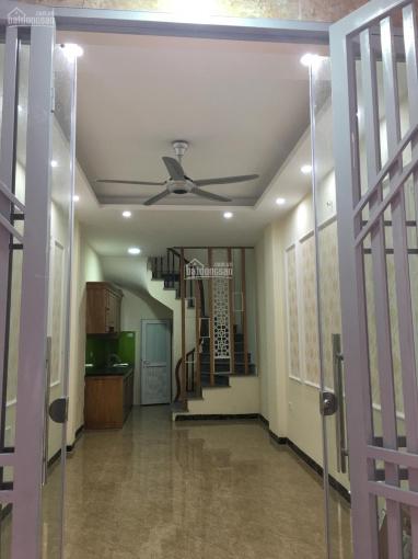 Bán nhà 20m2 sổ đỏ chung phố Thanh Đàm, phường Thanh Trì, ĐT 0973243808