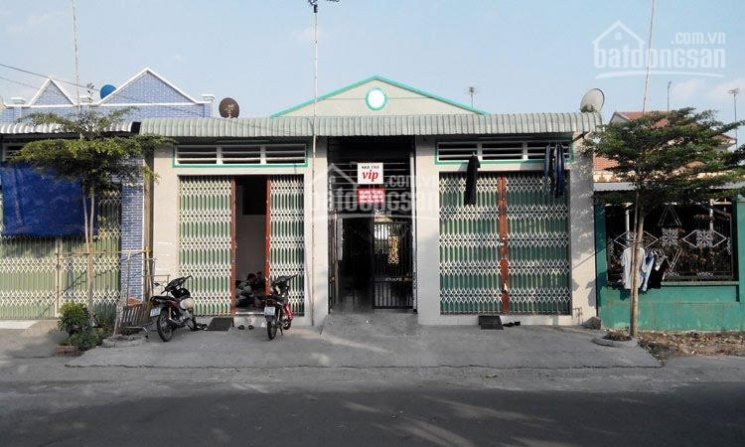 Nhượng gấp 2 dãy nhà trọ 16 phòng, 2 ki ốt DT 300m2 (10x30m) sát KCN, trường học LH: 038.643.8185