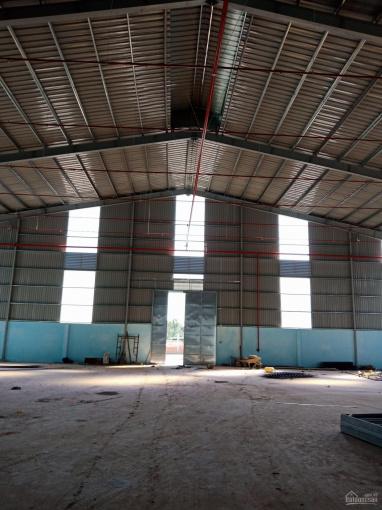 Cho thuê nhà xưởng khu công nghiệp Vĩnh Lộc 2, Bến Lức, DT: 2600m2 - LH: 0933.449.578