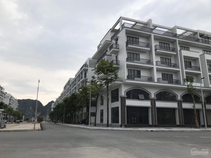 Bán gấp căn góc nhà liền kề 5,5 tầng mặt đường Phan Đăng Lưu khu đô thị Mon Bay Hạ Long, Quảng Ninh