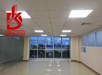 Cho thuê nhà trong hẻm đường Trường Sơn Phường 2 Quận Tân Bình. DT 10x20m