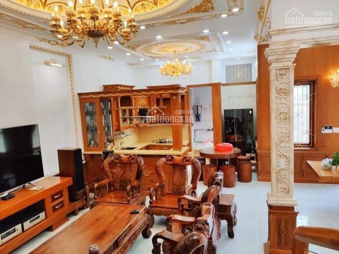 Bán nhà cách phố Hoàng Văn Thái 10m, DT 50m2, XD 5 tầng, mặt tiền 5m, lô góc. Giá 6,5 tỷ