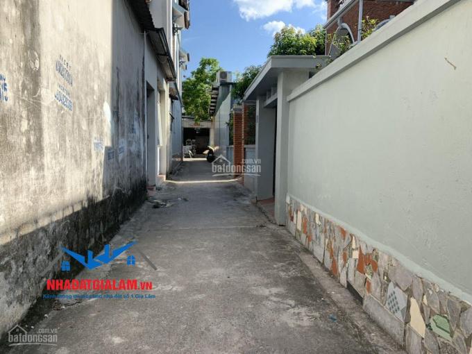 Cần bán 50.5m2 có nhà 2,5 tầng Cửu Việt, Trâu Quỳ, Gia Lâm, ngõ 2,6m. LH 097.141.3456