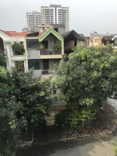 Chính chủ cần bán gấp biệt thự đơn lập góc HH04 - diện tích 245.5m2 - khu đô thị Việt Hưng