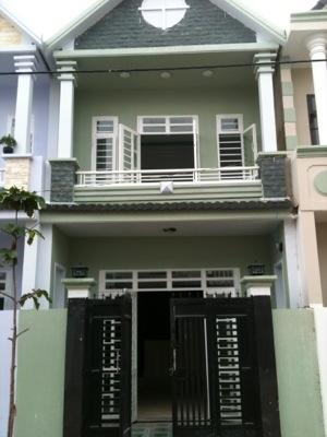 Bán nhà 3 tầng ở Cửu Việt 2 - Trâu Quỳ - Gia Lâm, giá chỉ 2.17 tỷ. LH ngay 0976955619