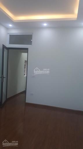 Bán nhanh nhà 42m2, 4 tầng, lô góc ô tô đỗ, phố Nguyễn Thái Học giá 3.95 tỷ. LH 0904959168