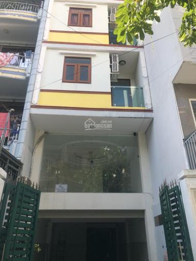 Mặt bằng cho thuê giá rẻ tiện làm văn phòng kinh doanh khu vực trung tâm quận Tân Bình