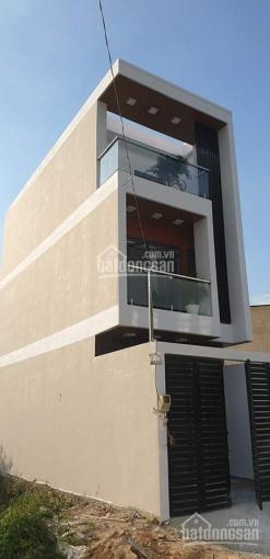Kẹt tiền bán nhanh nhà đẹp 1 trệt 2 lầu, đường Số 8 Lò Lu, Q9 cạnh KĐT Đông Tăng Long, giá 3.38 tỷ