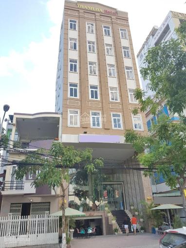 Cần bán khách sạn 9 tầng, đang kinh doanh, đường Dương Đình Nghệ. Giá đầu tư