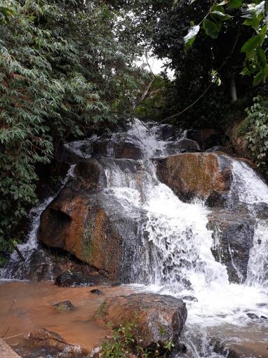 Bán đất nông nghiệp có thác nước lớn thích hợp làm trang trại, du lịch