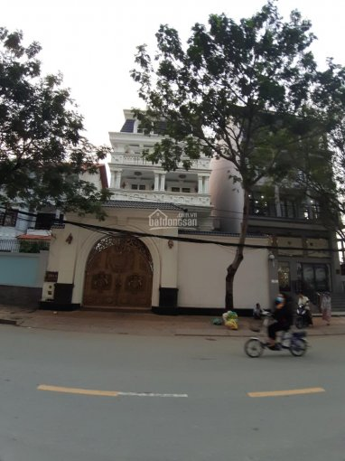Cho thuê biệt thự siêu đẹp đường Thảo Điền Phường Thảo Điền, Quận 2 DT: 20x20m, giá 140 triệu/tháng
