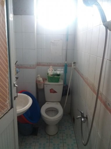 Cho thuê phòng máy lạnh 2.2tr/tháng, gần Cao Thắng, Quận 3, ở được 2 - 3 người