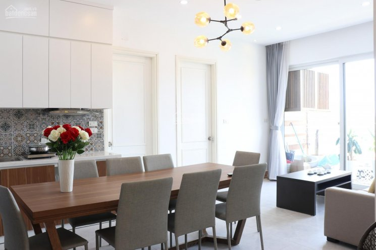 Chính chủ cần bán gấp căn hộ cao cấp 3PN 2WC ban công Đông Nam, cách cầu 361 200m