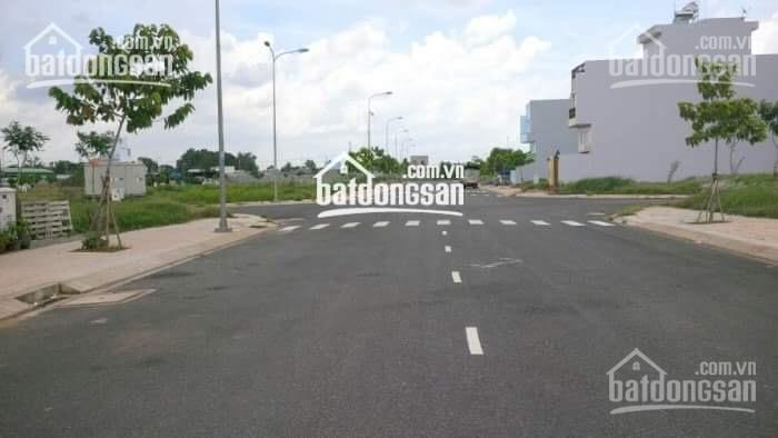 Kẹt tiền bán gấp lô đất Vĩnh Phú, QL13 kế BV Hạnh Phúc SHR DT 5x20m giá 14 triệu/m2. LH 0938456782