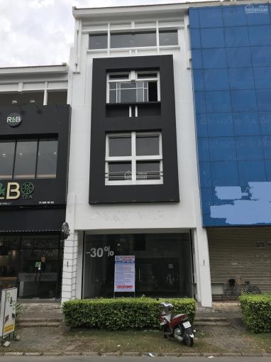 Cho thuê nhà phố Mỹ Hoàng mặt tiền Nguyễn Văn Linh, vị trí làm văn phòng hoặc showroom rất phù hợp