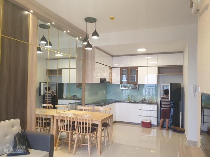 Thuê căn 2PN The Sun Avenue, nội thất full mới 100%, 15tr/th, bao phí quản lí - 0906870896
