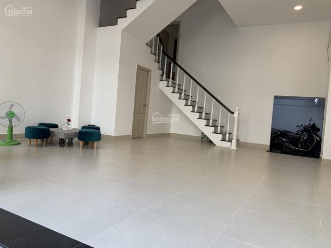 Cho thuê nhà MT Cao Thắng, Quận 3, DT: 6x10m, 4 lầu, giá thuê 150tr/th, 0902.900.365
