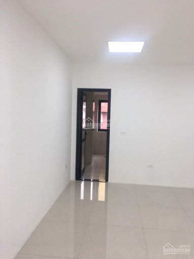 Cho thuê nhà ngõ ô tô tại Võ Chí Công, Lạc Long Quân, Tây Hồ. DT: 90m2 * 6 tầng, MT: 8m