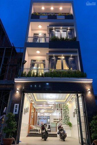 Cần tiền bán gấp nhà khu Omely, quận 7, DT 5x16.74 m2, 3 lầu, tặng nội thất cao cấp, hoa hồng 2%