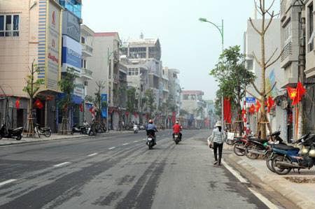 Nhà kinh doanh tại phố Nguyễn Sơn, Long Biên 6,2 tỷ. LH 0849501009